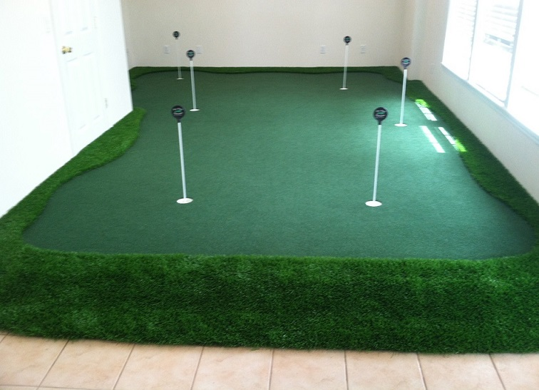 wall to wall Golf Room
