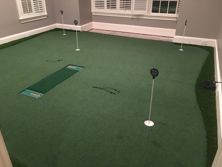 simulator golf room